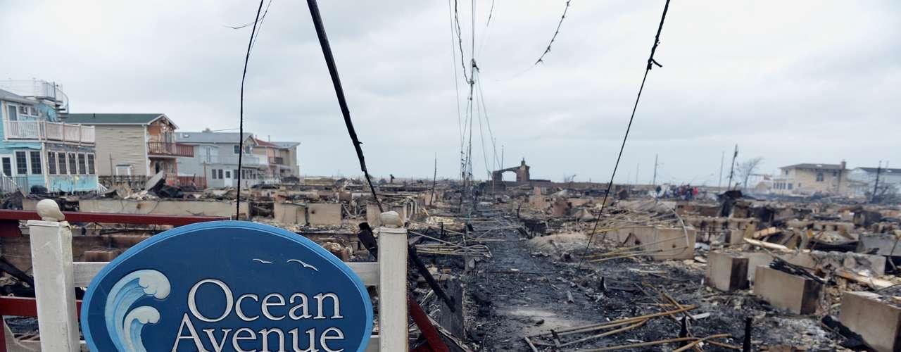 Según las Naciones Unidas, en total, 1,8 millones de personas fueron afectadas por el huracán en Haití. En Cuba, medio millón. En total, la tormenta dañó 375 centros de salud y 2.100 escuelas.