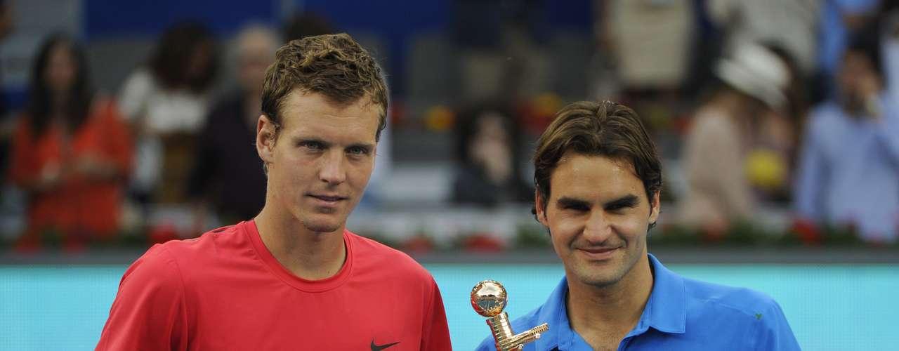 El 2012 significó una gran polémica por la arcilla azul del Masters de Madrid, incluso de habló que varios jugadores ya no lo jugarían más, pero eso no fue impedimento para que Federer lo ganara en una gran final ante Berdych.