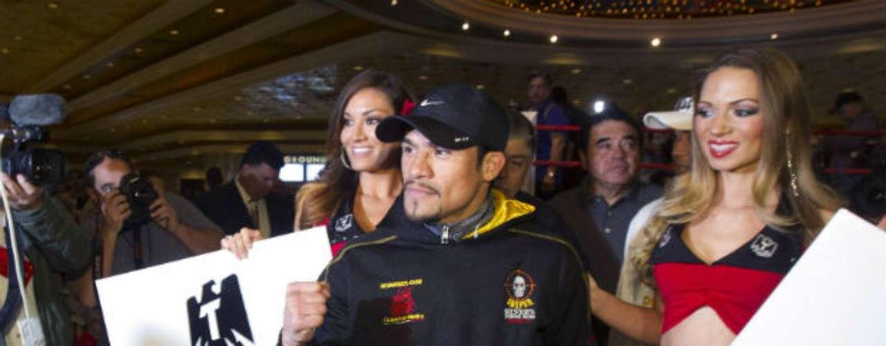Márquez arribó en un camión que fue adornado con su imagen a un costado, en medio de un fuerte dispositivo de seguridad.