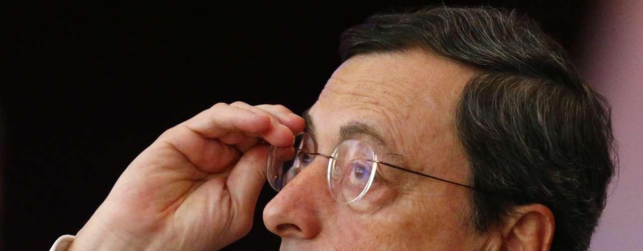 Mario Draghi, Presidente del Banco Central Europeo, también figura en este top de poderosos. El día 29 de diciembre de 2005 fue nombrado gobernador del Banco de Italia. Abandonó el cargo el 31 de octubre de 2011 para ocupar la presidencia del Banco Central Europeo, en sustitución de Jean-Claude Trichet.