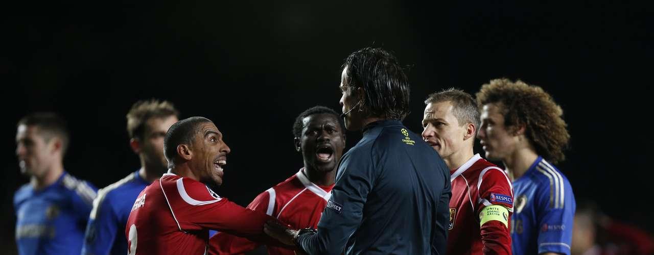 Con la victoria, el Chelsea quedó tercero en el Grupo E como consecuencia del triunfo de la 'Juve' por 1-0 ante el Shakhtar en Donetsk, Ucrania.