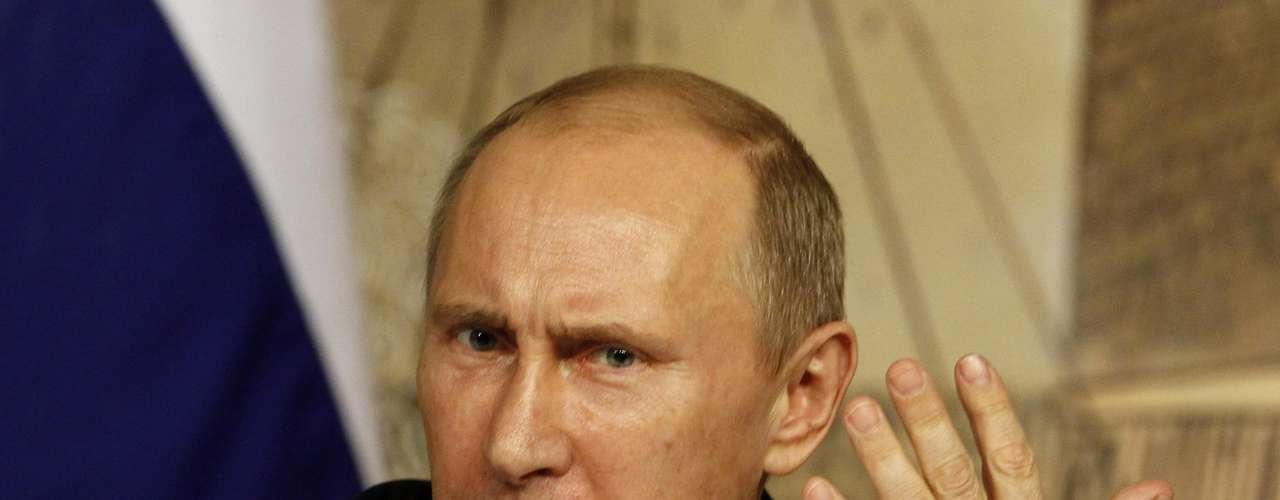 El presidente de Rusia, Vladimir Putin, esotro de los mandatarios que entra enelranking de losmás poderosos del mundo. En los comicios de marzo de 2012 fue elegido nuevamente Presidente, en medio de acusaciones de fraude por parte de la oposición. Sin embargo, nadie dudaba y así lo demostraban las encuestas, que Putin, debido al apoyo real con que contaba, sería el vencedor independientemente de las irregularidades que pudieran cometerse.