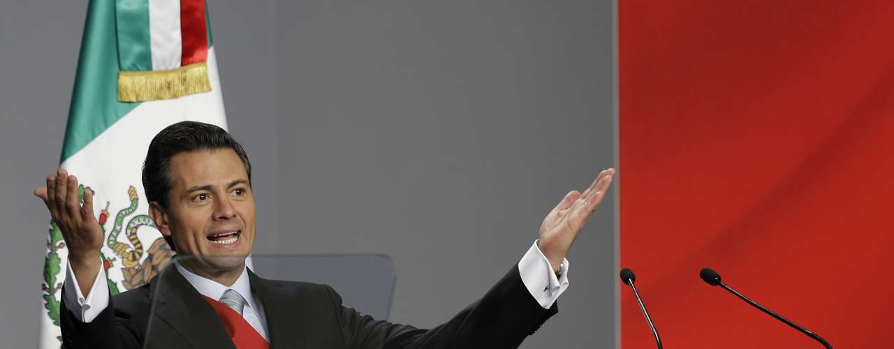 Un 52 % de los mexicanos cree que la situación de su país mejorará durante el mandato de Enrique Peña Nieto que comenzó el 1 de diciembre, frente a un 33 % que mantiene una \