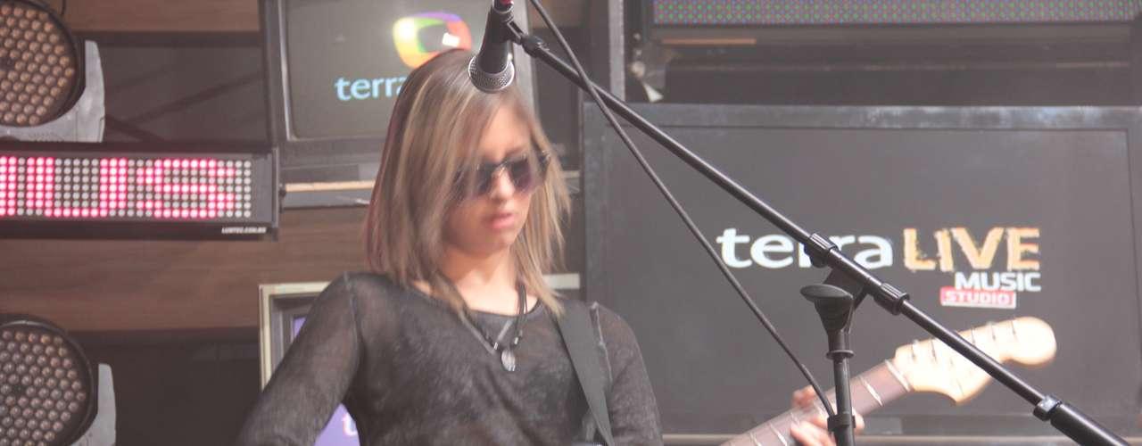 La guitarrista del grupo señaló que a ella la música de Metallica la animó a entregar su vida a los riffs.