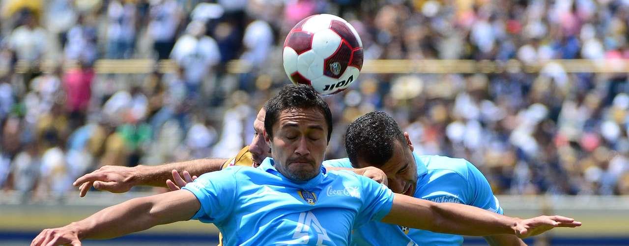 William Paredes deja al San Luis para jugar ahora con Puebla.