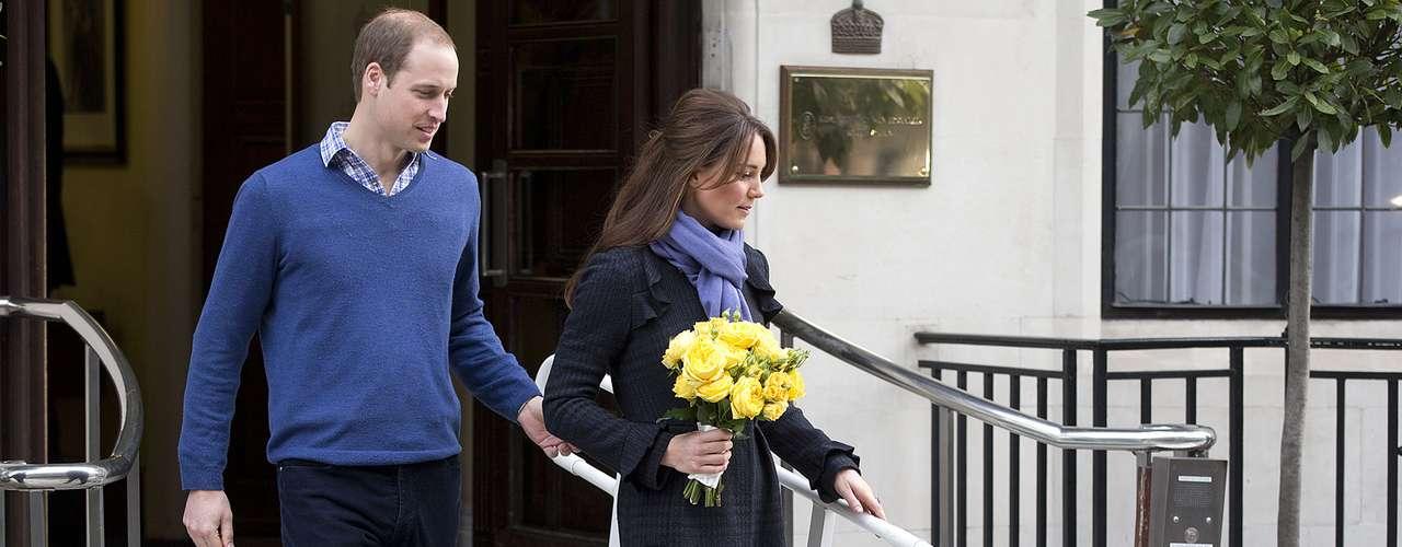 La falsa llamada que atendió la enfermera fallecida se produjo el pasado 4 de diciembre y en ella dos locutores fingieron ser la monarca británica, abuela del príncipe Guillermo, y su padre, Carlos.