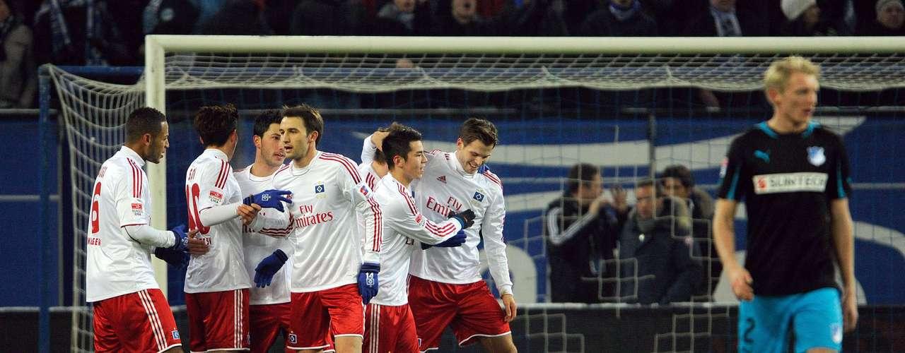 La jornada 16 de la Bundesliga inició con la victoria de Hamburgo 2-0 sobre Hoffenheim