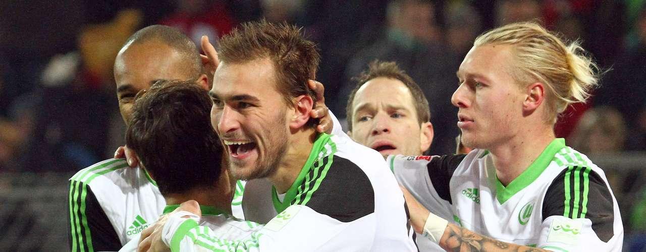 Wolfsburgo se impone 3-2 al campeón Borussia Dortmund para dar la cmapanada de la jornada