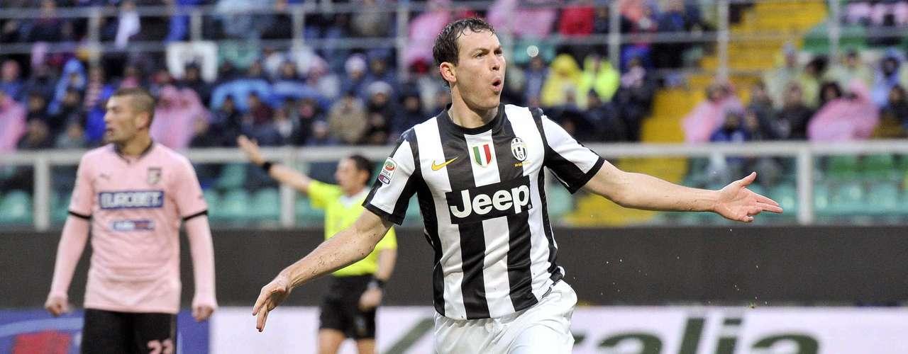 Juventus resolvió el partido en el segundo tiempo gracias a un gol del suizo Stephan Lichtsteiner.