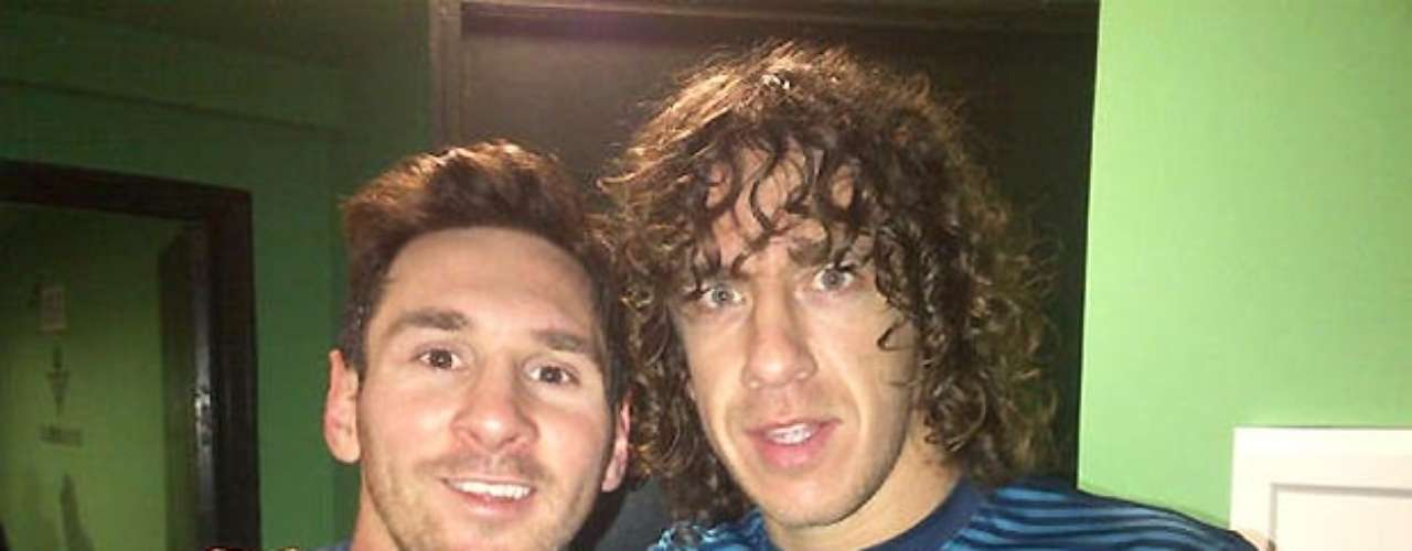 Carles Puyol tweeted his admiration, complete with a picture of himself and his celebrated teammate.