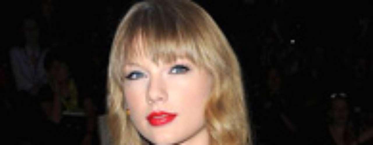 A pesar que se ha cambiado de look varias veces, siempre le ha atinado al gusto de sus seguidores.Taylor Swift fue una de las que estuvo en los primeros lugares de la encuesta.