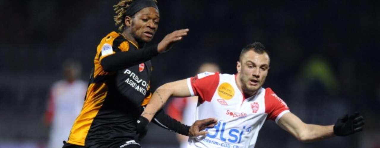 Valenciennes llegó al quinto lugar general con 26 unidades luego de igualar 1-1 ante Nancy.
