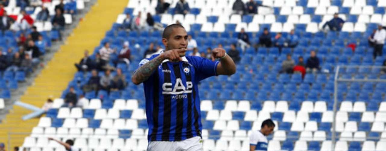 BRAIAN RODRÍGUEZ: El delantero charrúa es pretendido por Colo Colo, la U y la UC, pero podría quedarse en el club para jugar la Copa Libertadores.