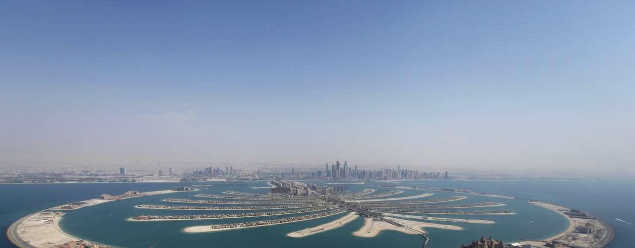 6. Los Emiratos Árabes Unidos, gracias a sus grandes reservas de petróleo, son el sexto país más rico del mundo con un PIB por habitante de 47.439 dólares.