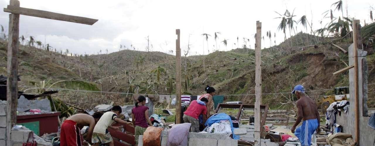 La deforestación, la proliferación de las minas ilegales, la falta de infraestructuras y el chabolismo incrementan los efectos devastadores de los tifones y las inundaciones que afectan durante la época del monzón a Filipinas. (Fuente:EFE)