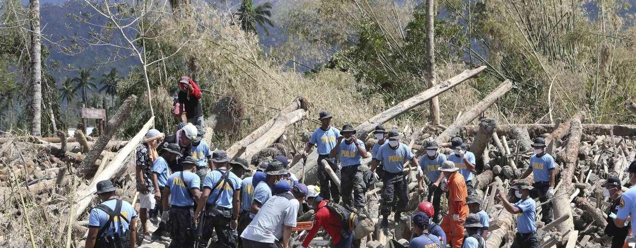 Las cifras no incluyen a 315 marineros que fueron dados por desaparecidos en el Mar de China Meridional después de una semana sin que hayan contactado con las autoridades, informó el Consejo Nacional de Prevención y Respuesta a los Desastres.