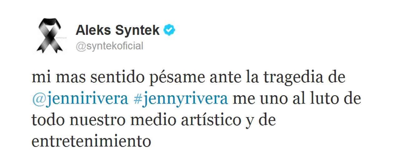 Aleks Syntek puso su cuenta de Twitter de luto por la muerte de Jenni Rivera.