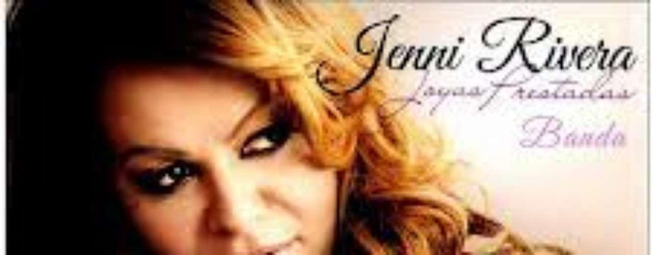 En el 2011, Jenni lanza su proyecto más ambicioso. Dos discos con los mismos temas, pero en distintos ritmos. Joyas Prestadas en banda incluyó el exitazo \