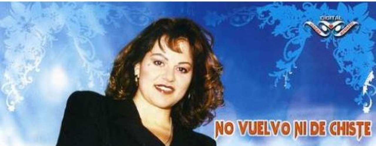 Acompañada del Mariachi Vargas y la Banda Sinaloense, Jenni Rivera realiza sus primeras rancheras en el álbum No Vuelvo ni de Chiste.