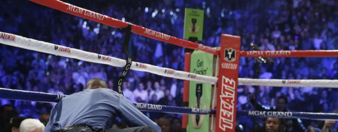 One of the most notable reactions was from Floyd Mayweather Jr., who said he hoped that Pacquiao would recover and return to boxing like the true champion he is.