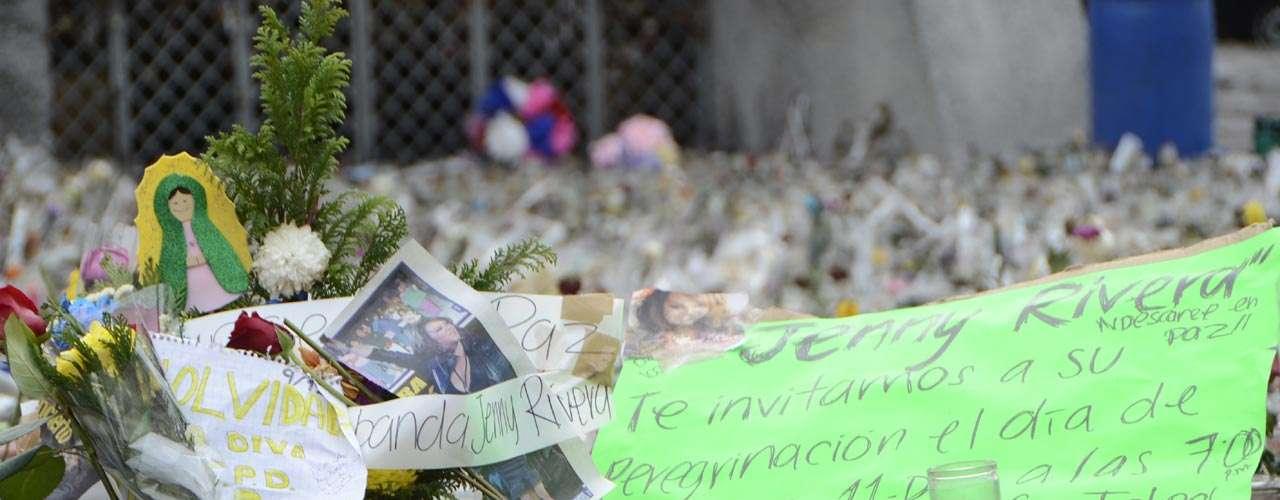 Fans convocan a peregrinaciónen nombre deJenni Rivera.