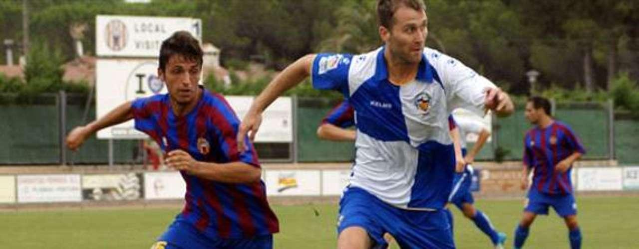 Aníbal Zurdo jugó 70 minutos en el empate entre Sabadell y Murcia. Regular juego del tabasqueño.