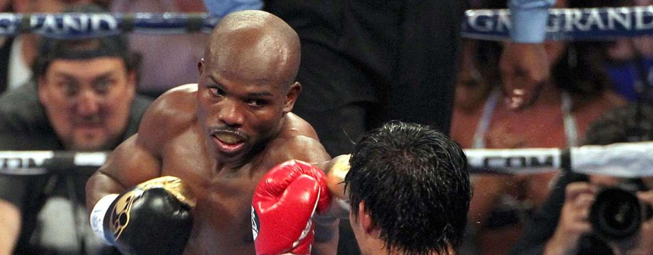Timothy Bradley; País: U.S.A.; Récord: 29-0-0 (12 KOs); Campeón: OMB welterweight
