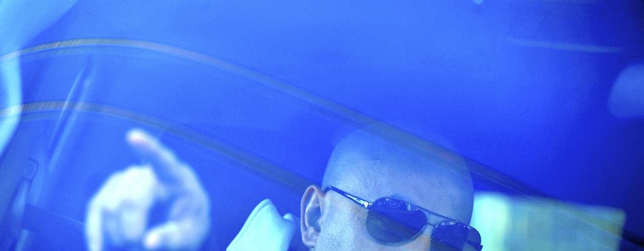 Lupillo Rivera, luego de someterse a pruebas de ADN, dentro del protocolo forense para el reclamo del cuerpo de Jenni , abandonó el Servicio Médico Forense en México, para esperar la conclusión de resultados a los exámenes y proceder así a llevar el cadáver de su hermana a Los Ángeles, tal como se lo prometió a su madre mediante su cuenta en Twitter con este mensaje: \