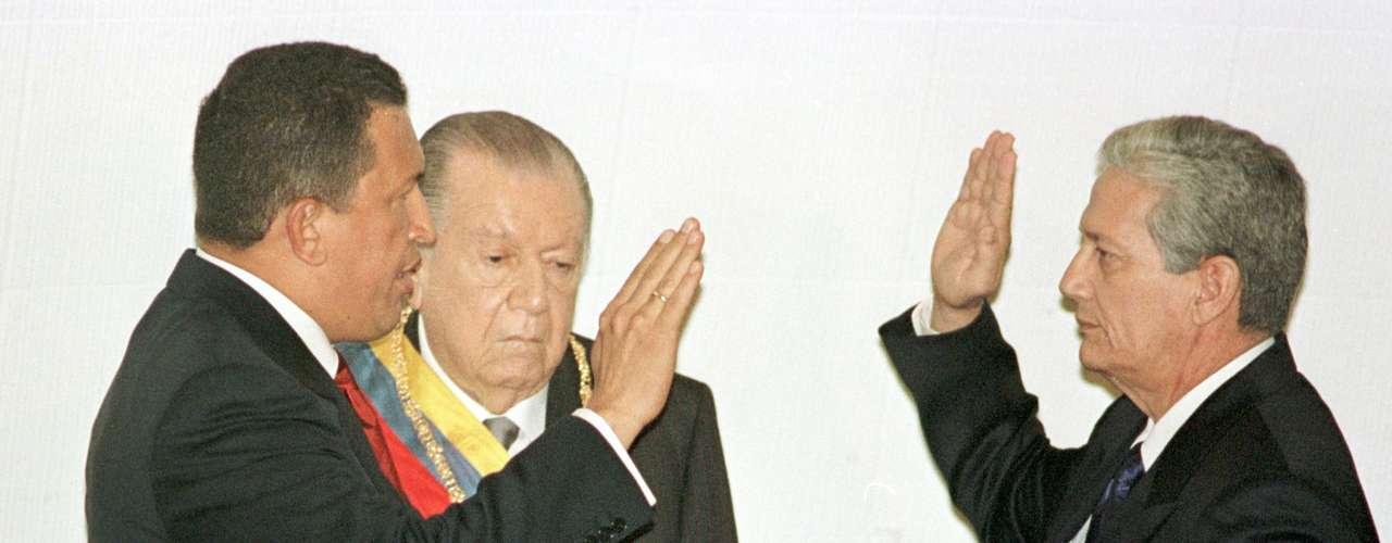 Chávez asumió el tercer período presidencial el 10 de enero de 2007, lanzando la frase: \