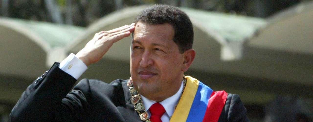 El 3 de diciembre de 2006, Chávez volvió a triunfar en las elecciones generales, obteniendo casi ocho millones de votos frente a 4.292.466 conseguidos por el candidato de la oposición Manuel Rosales, quien reconoció el resultado esa misma noche.