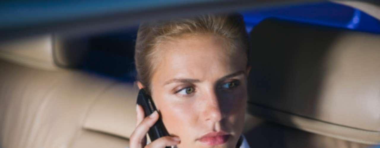 Que te angusties si no te llama de inmediato o te manda mensajes. Si no suelen hablarse todos los días tampoco esperes que te llame cada hora sólo porque han tenido sexo juntos. Los hombres suelen tardarse en llamar para no lucir desesperados, pero eso no significa que no le haya gustado estar contigo. Claro, si pasa mucho tiempo y no sabes de él, háblale tú o empieza a buscar nuevos horizontes.