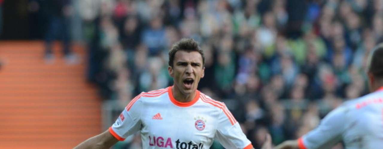 MARIO MANDZUKIC BAYERN MÚNICH. Llegó procedente de Wolfsburgo para formar una gran dupla ofensiva a lado de Thomas Müller, ya que ambos jugadores llevan nueve goles y están a sólo una anotación de distancia de los líderes del rubro.