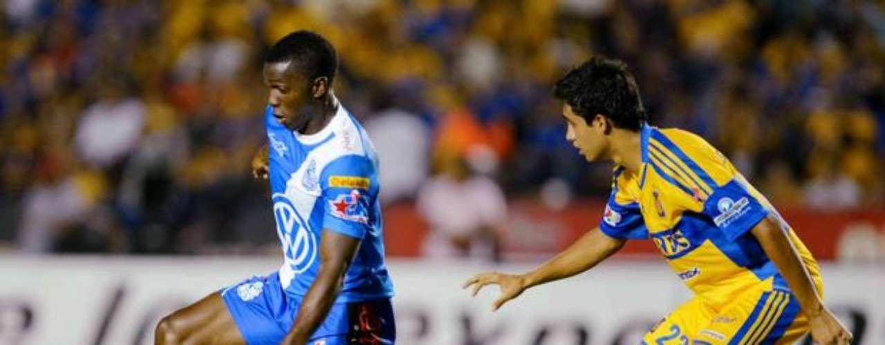 Edinson Toloza tuvo el 3-1 luego de que Enrique Palos había subido a rematar, en el contragolpe disparó sin portero, pero el balón pasó por un lado de la portería, en una de las grandes fallas del torneo, pero que no pesó en el marcador, porque Puebla obtuvo la victoria 2-1 sobre Tigres en la fecha 12.