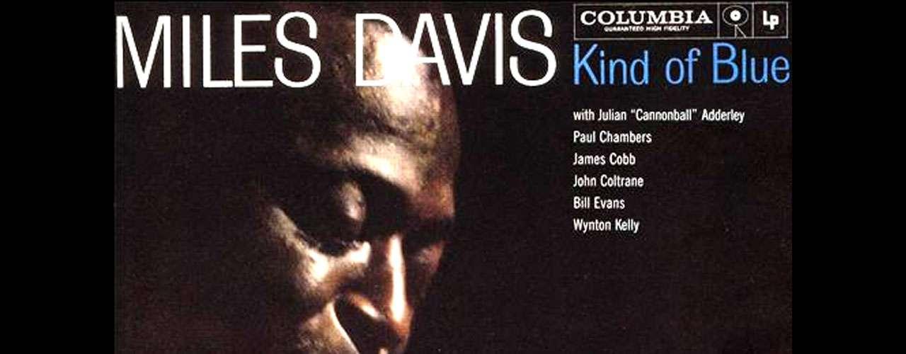 No puedes estar preparado para vivir el fin del mundo sin antes haber escuchado esta selección de 12 discos imprescindibles en la historia de la música. Empezamos por el clásico de Miles Davis titulado 'Kind Of Blue', estrenado en 1959 y considerado una de las máximas obras del jazz de todos los tiempos. Por si no lo sabías, 'Kind Of Blue' fue incluído en el Registro Nacional de Grabaciones de la Biblioteca del Congreso de Estados Unidos.