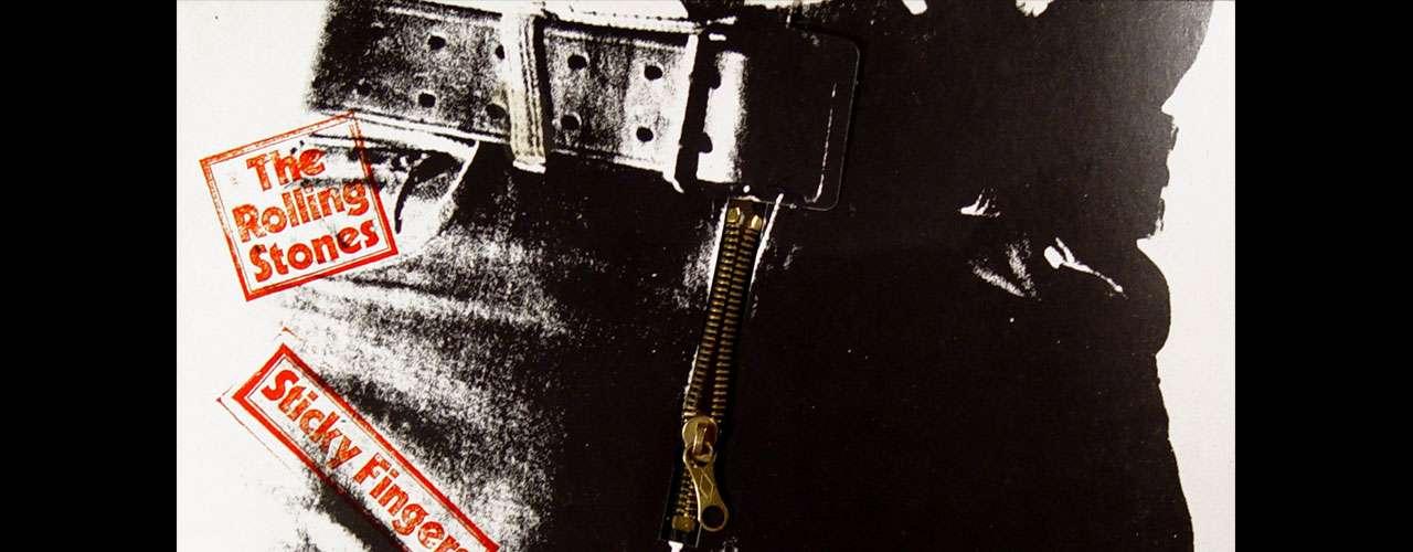 'Sticky Fingers', del año 1971, es valorado como uno de los discos más importantes del rock por su inigualable fusión de géneros como el rock and roll, blues y rhythm and blues y country. Sus letras oscuras y polémicas han hecho de este trabajo uno de los más importantes no sólo de la banda, también ha alcanzado un privilegiado lugar en la escena.