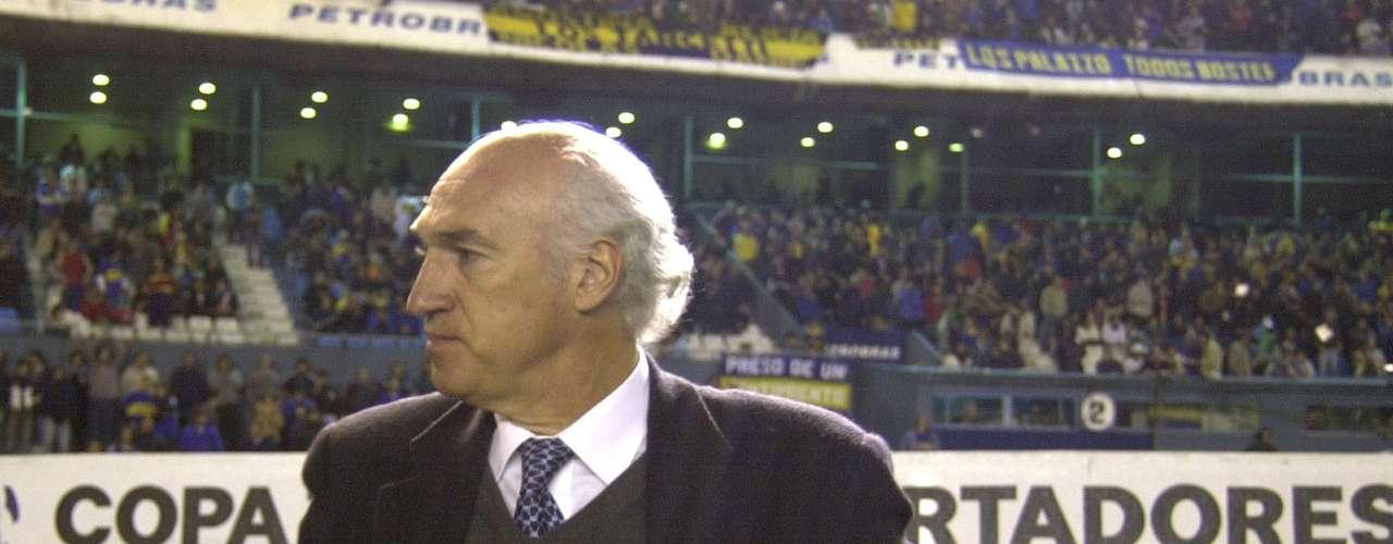 Como DT de Boca se despidió a mediados de 2004. En Manizales, frente a Once Caldas, en la final de la Copa Libertadores