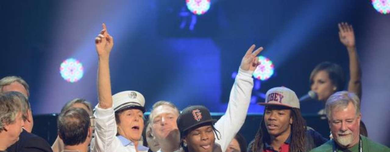 Una lluvia de estrellas y celebridades conjugaron sus talentos en la noche del miércoles 12 de diciembre de 2012, en el Madison Square Garden de Nueva York, para la celebración de un concierto histórico en beneficio de los damnificados que dejó la tormenta Sandy.