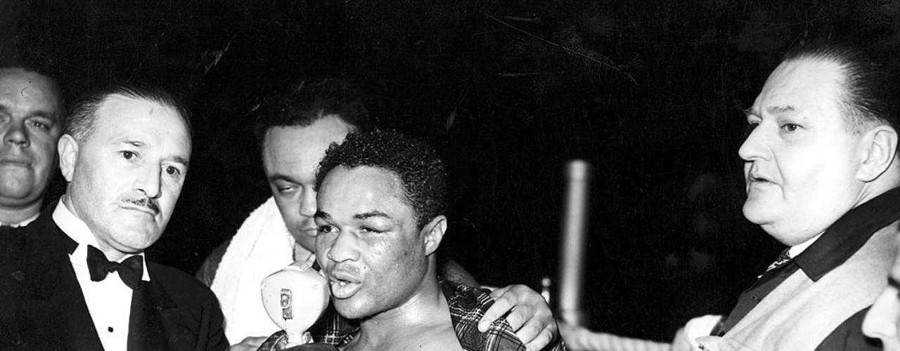 Henry Armstrong; Récord: 150-21-10, 101 KO; Años en activo: 1931-1945; Títulos: World Featherweight, World Lightweight, World Welterweight