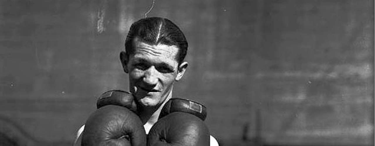 Jimmy McLarnin; Récord: 54-11-3, 21 KO; Años en activo: 1923-1936; Títulos: World Lightweight, World Welterweight (2X)