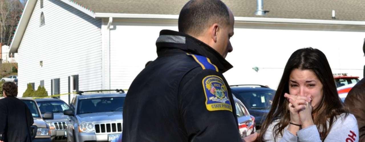 Testigos se mostraron muy conmovidos por la cantidad de ambulanciasque circulaban porel tranquilovecindario.