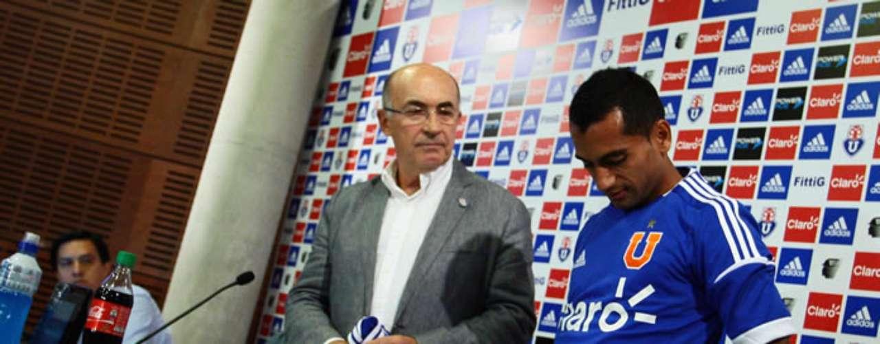 Ambos delanteros fueron oficializados como las nuevas incorporaciones de la U para la próxima temporada.