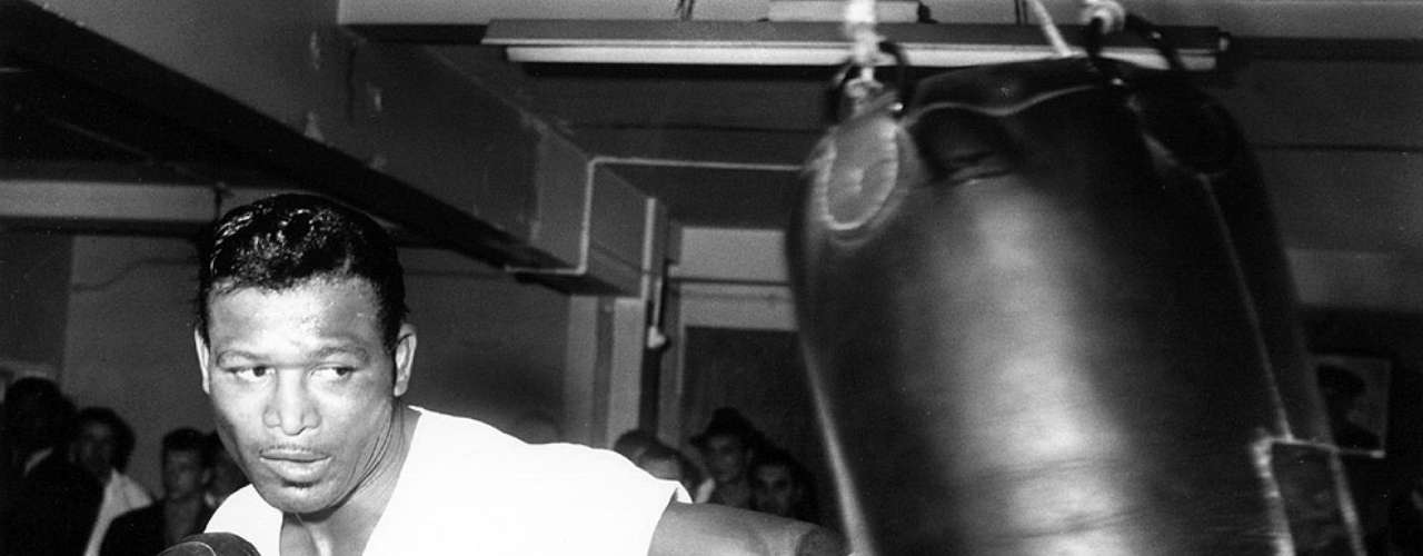 Sugar Ray Robinson: Récord: 173-19-6, 108 KO; Años en activo: 1940-1965; Títulos: World Welterweight, World Middleweight (5X)