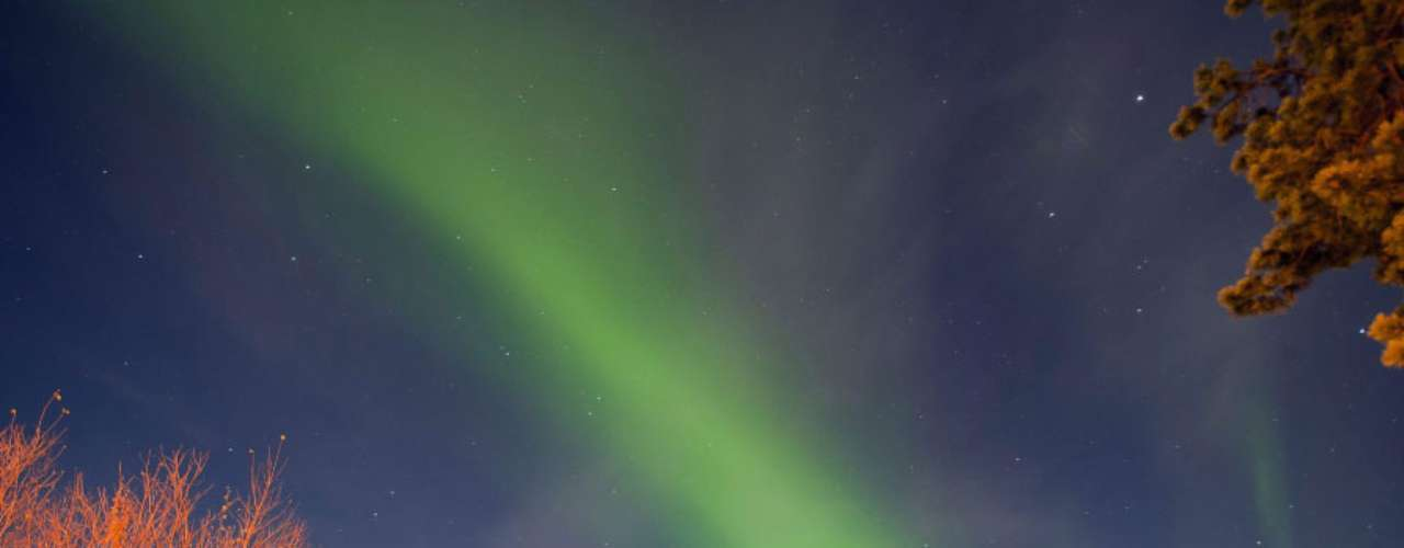 La excursión por Laponia en invierno augura grandes posibilidades de ver una aurora boreal, como la de la fotografía realizada en en la localidad de Alta, en el norte de Noruega.