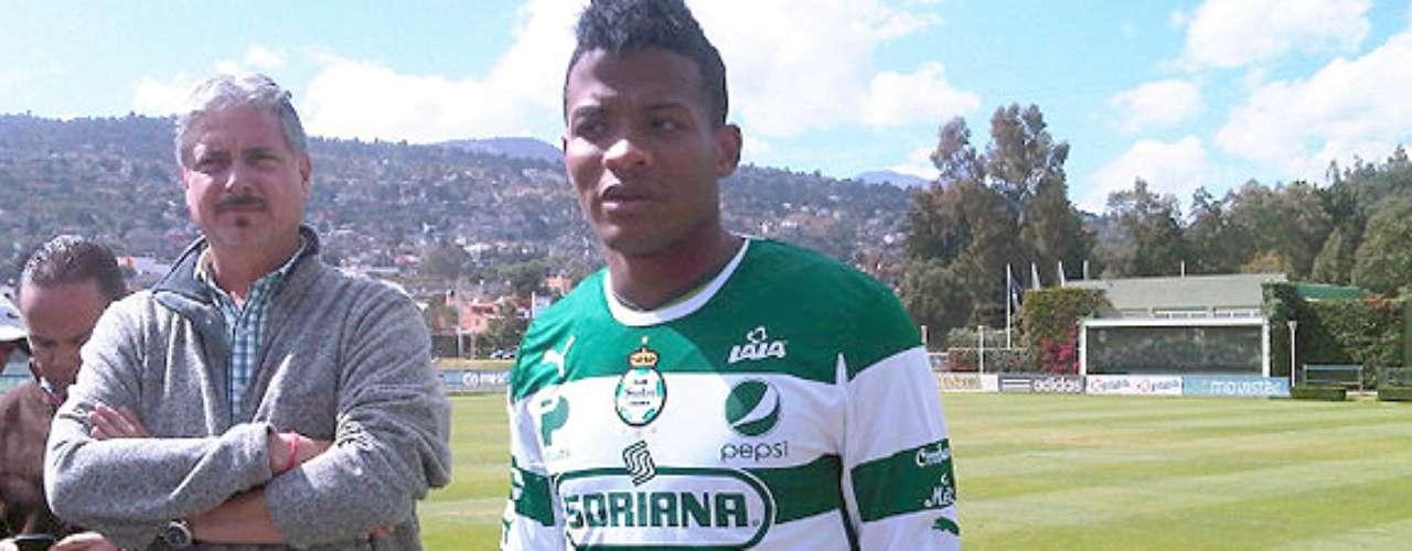Santos fichó al colombiano Andrés Rentería, de apenas 19 años y quien viene de ser campeón de goleo en la Segunda División de su país con el Alianza Petrolera. En 2011 jugó para el Atlético Nacional del Medellín.