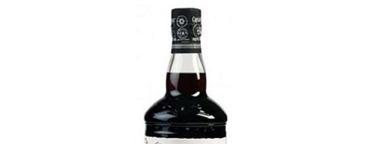 Para los de Espíritu aventureroCaptain Morgan Black Spiced Rum. Una mezcla de ron y especias finas, terminado en barricas de roble ahumado, que le dan un acabado delicado y distinguido. Precio aproximado: $22