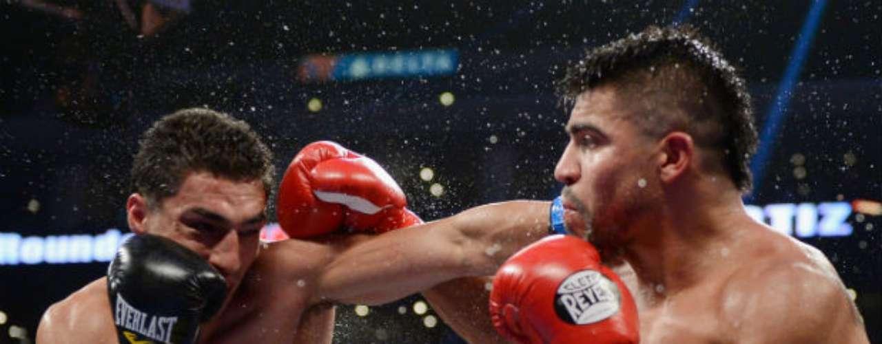El 23 de junio Josesito López (izquierda) dio la sorpresa del año al derrotar en nueve asaltos a Victor Ortíz en el Staples Center de Los Angeles en una pelea por demás explosiva. López incluso le rompió la quijada a 'Vicious'.