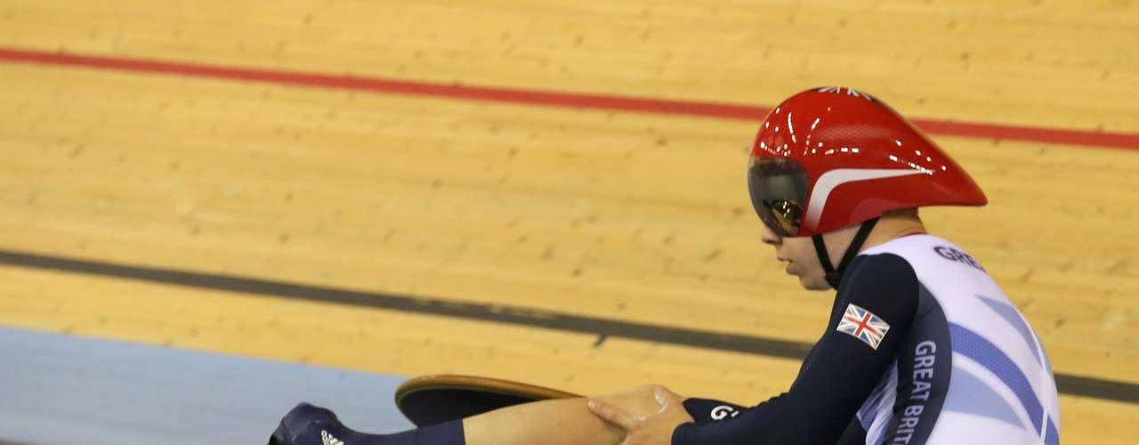 5) A FAll WORTH GOLD. British cyclist Philip Hindes fell on purpose after a bad start in the 'sprint' in track cycling in an event in which his team won gold with Chris Hoy and Jason Kenny. Though not cheating, but bad form, Hindes admitted what he did: \