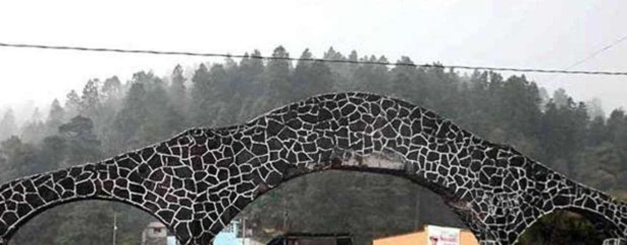 20 de agosto del 2012.- Autoridades del Estado de México detuvieron a un menor de edad por la agresión a un campamento en el parque El Colibrí, en Chalco. Se trata de Enrique N, alias \