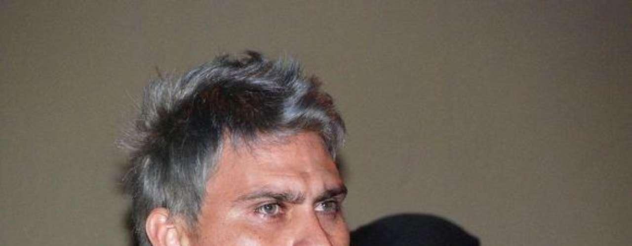 7 de enero del 2012.- El ex portero de Rayados y Jaguares, Omar Ortiz, alias El Gato, fue presentado en Nuevo León como miembro de una banda de secuestradores. A su organización delictiva se les responsabilizó de por lo menos 20 plagios en dos años, entre los que destacó el del esposo de la cantante Gloria Trevi.