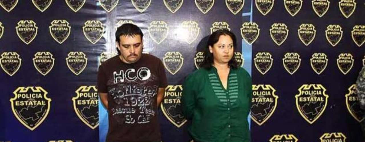 6 de noviembre del 2012.- La Policía de Jalisco aprehendió a bordo de una camioneta Hummer amarilla, modelo 2008, a Rosalina Carrillo Ochoa alias \